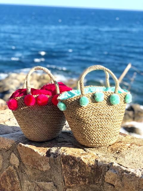 Mini raffia bag whith pompons