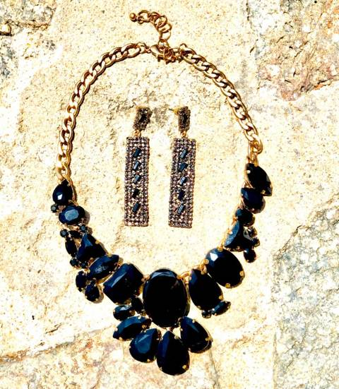 Black Rihnestones Necklace